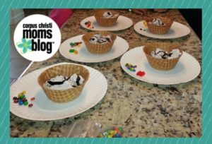 Build Your own Sundaes- 20+ Ways to Stay Cool in South Texas- Corpus Christi Moms Blog