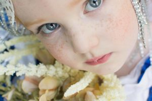 Lindsey Baker Photography- Pretty Young Girl with Flowers- Corpus Christi Moms Blog