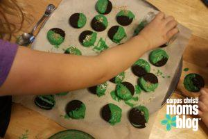 St. Patrick's Day Oreo Cookie Treat- Corpus Christi Moms Blog