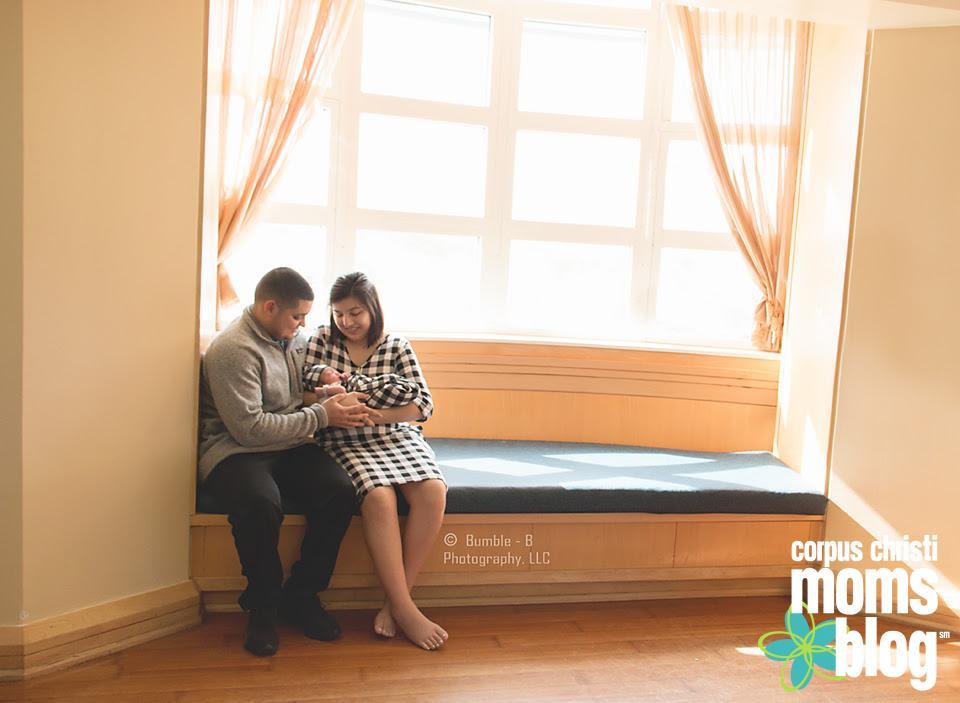 Newborn Family Session- Bumble-B Photography- Corpus Chrsiti Moms Blog