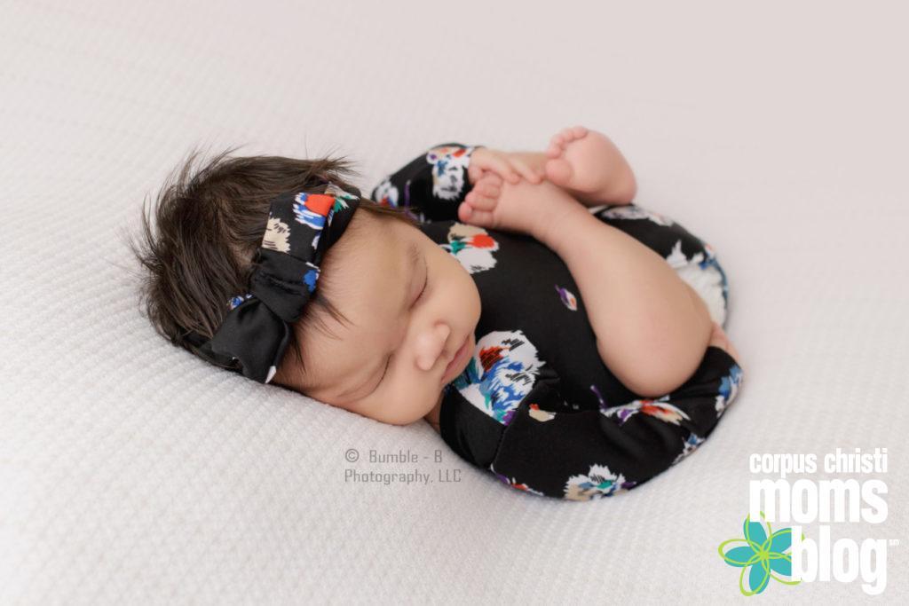 Newborn Photo Session Posed- Bumble-B Photography- Corpus Chrsiti Moms Blog