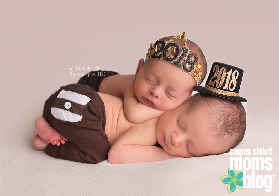 Newborn Twins- New Year Session- Bumble-B Photography- Corpus Chrsiti Moms Blog