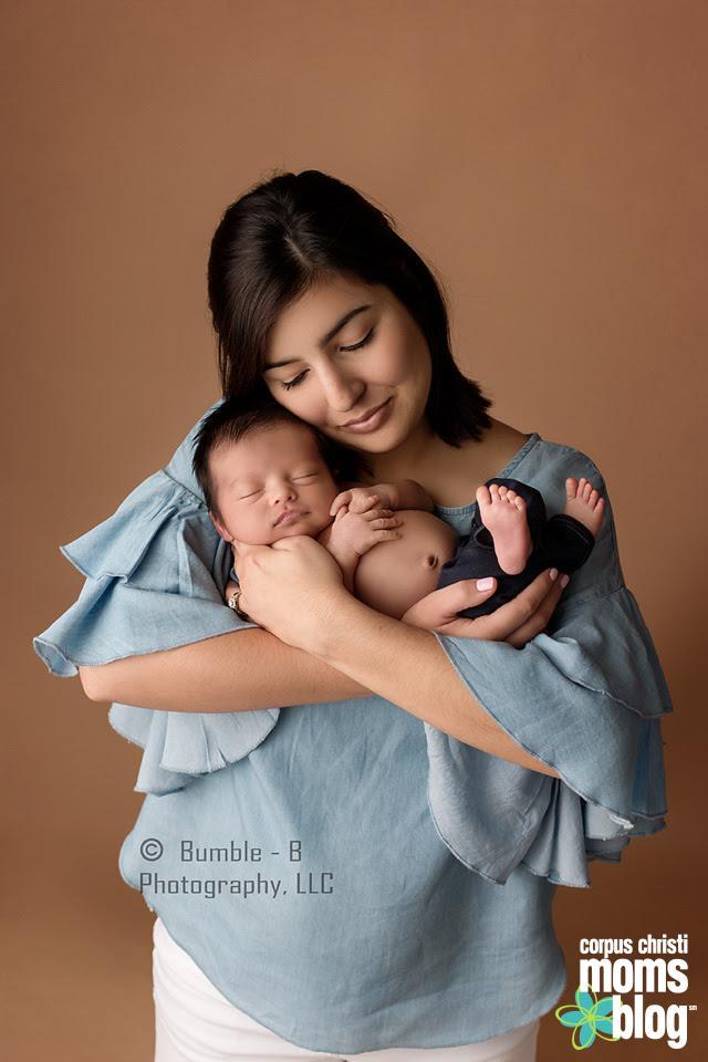 Newborn with Mom- Bumble-B Photography- Corpus Christi Moms Blog