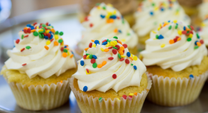 Cupcake Frosting: coastal bend mom